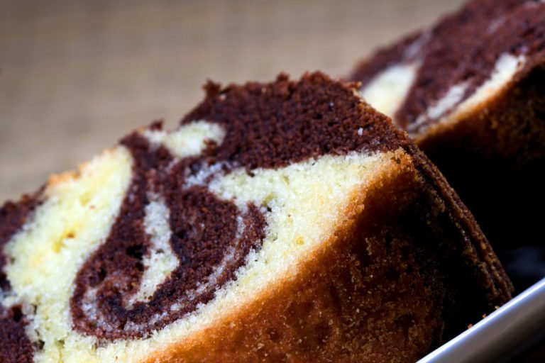 Marble keto cake with Mediterranean soul