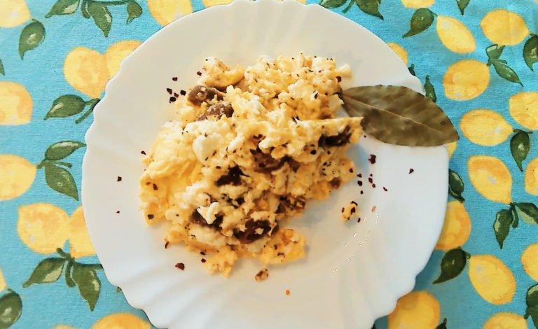 Keto Mediterranean lifestyle- Greek villager's omelette