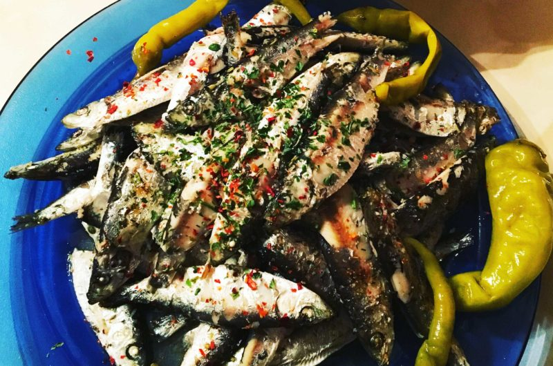 Sardines baked in tallow