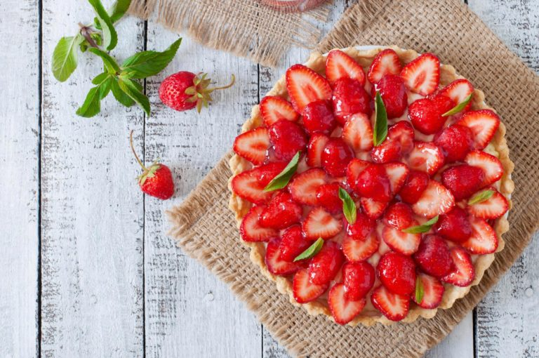 Keto Strawberry tart? – Yes, it's springtime Ketonia!