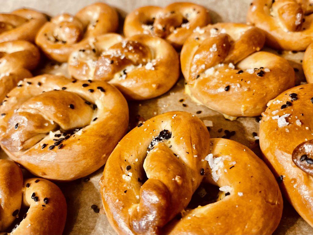 Keto tahini pretzel